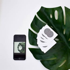 mobile-device-DSLR-social-media-posts-marketing-consultant-bournemouth-christchurch-dorset